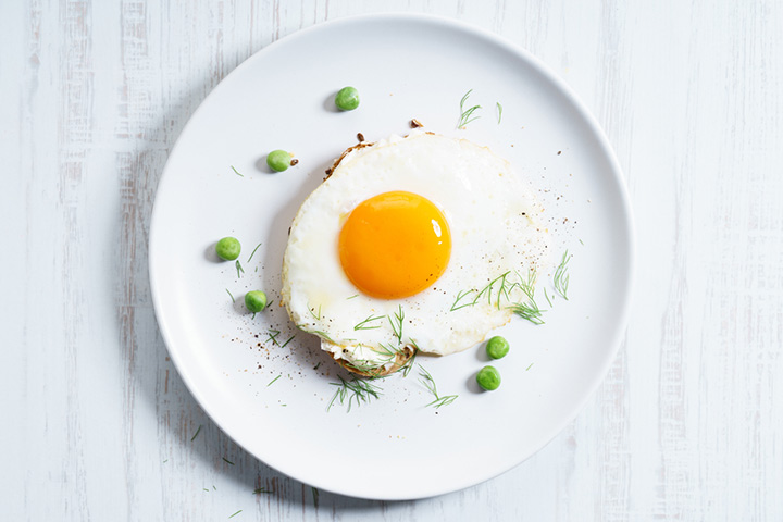 Egg Yolk with Boiled Peas or Lentil