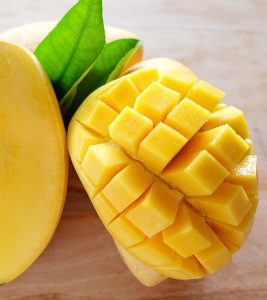 9-Proven-Health-Benefits-Of-Eating-Mangoes-In-Pregnancy1