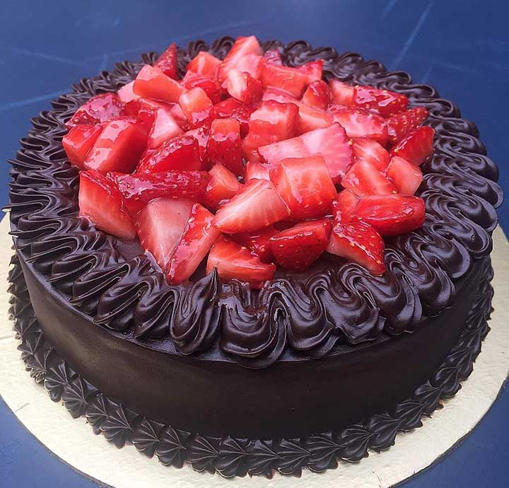 Berry surprise cake