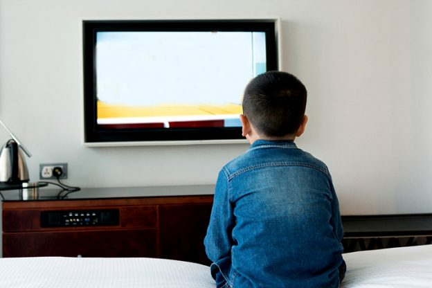effects of television on our brain Are books superior to tv how they affect our brains differently a team led by hiraku takeuchi examined the effects of television on the brains of 276 children.