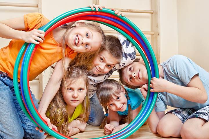 Hula Hoop Pass - Team bonding games for kids