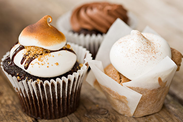 Marshmallow Campfire Cupcakes to Celebrate Baby Shower