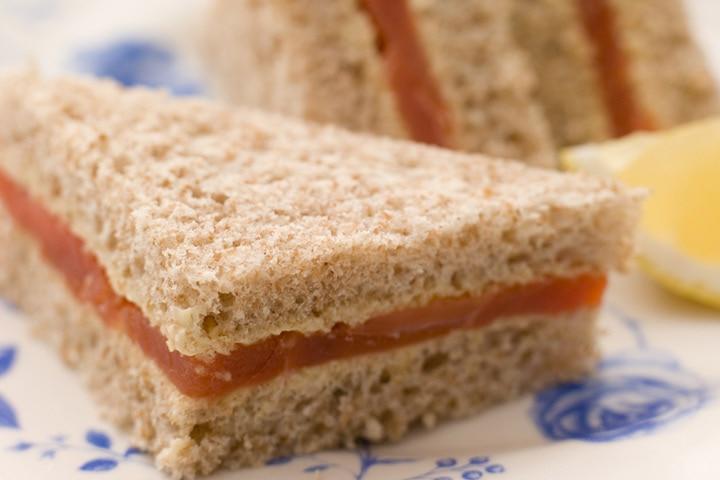 Minced chicken finger sandwiches