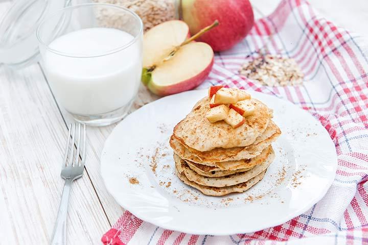 Oats and Apple Pancake with Yogurt