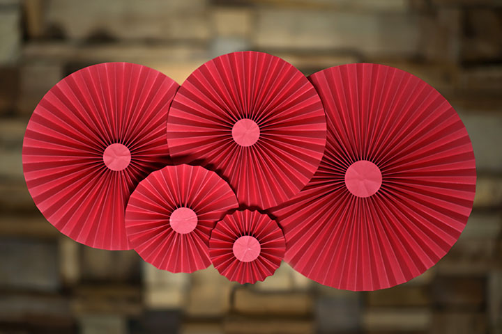 How to make paper flowers for kids paper rosettes making pictures mightylinksfo Choice Image