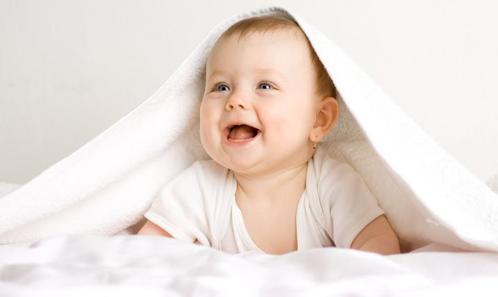 Pic of Cute Smiling Baby