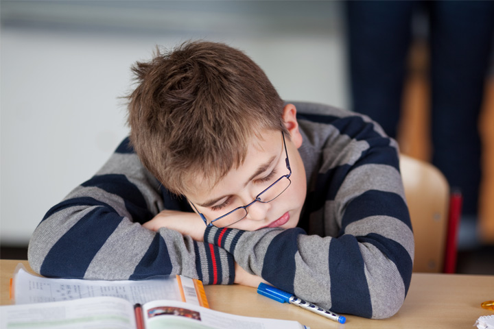 causes of students sleeping in class Sleeping habits and sleep deprivation different sleep hygiene depending on their class among college students however, other causes such as.