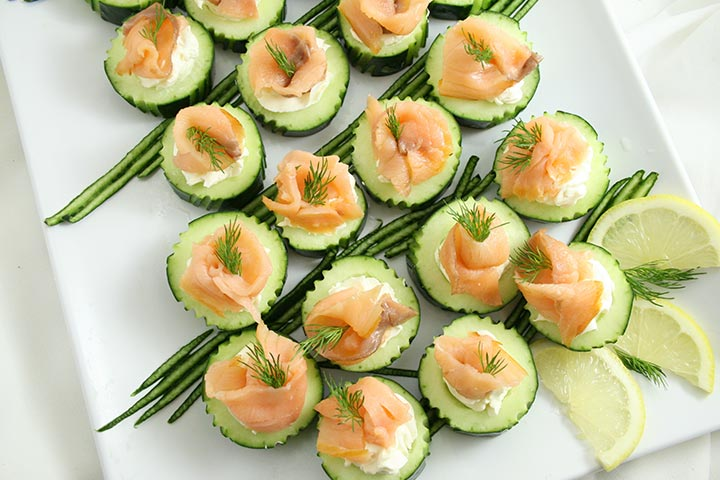 Smoked Salmon With Cucumber and Cheese