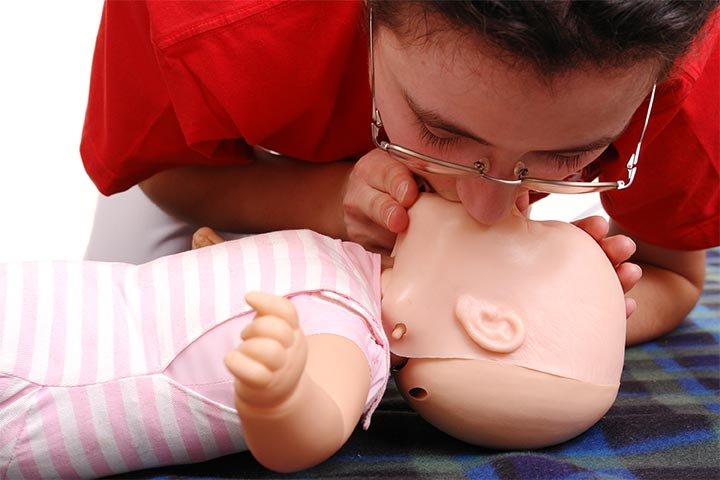 3 useful instructions to do cpr on a baby