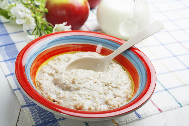 Oatmeal with apples (for 8+)