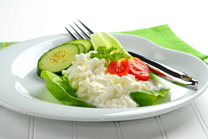 Organic cottage cheese and vegetable mix