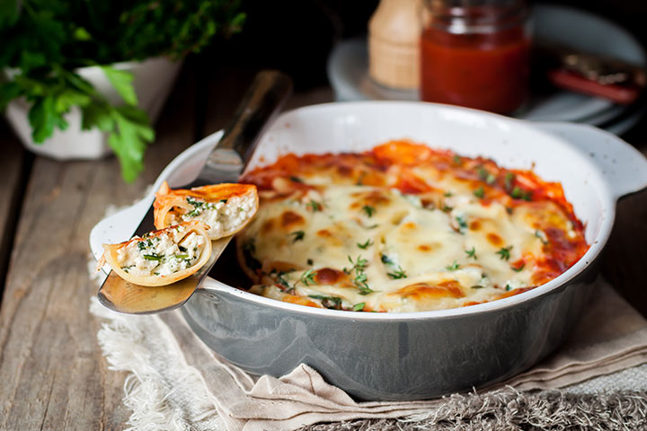 Pasta with spinach and ricotta cheese (for 10+)