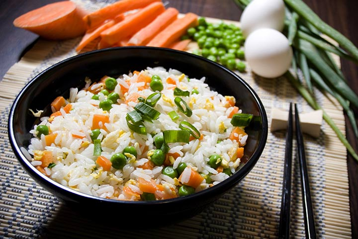 Rice with peas, carrot and egg (for 10+)