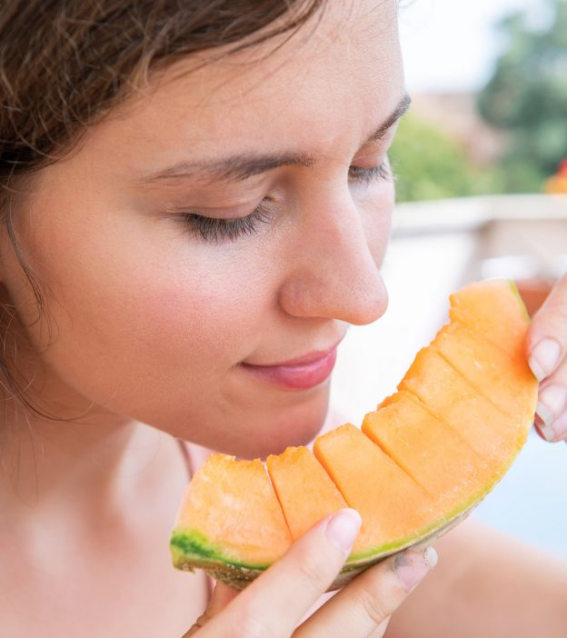 Is It Safe To Eat Muskmelon Cantaloupes During Pregnancy Cantaloupes range in weight from 0.5 to 5 kilograms (1 to 11 lb). is it safe to eat muskmelon