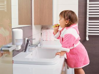 5 Simple Tips To Teach Your Toddler To Brush The Right Way