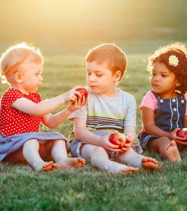 Apple For Kids Interesting Facts, Health Benefits And Recipes