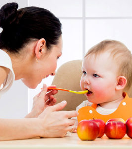 Apple Puree For Baby Benefits, Recipes And Precautions