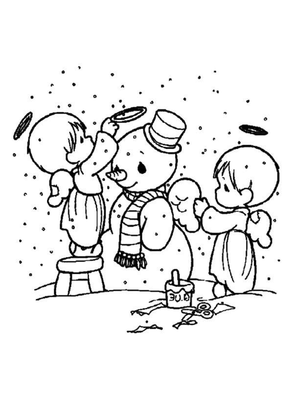 The-angels-build-a-snowman
