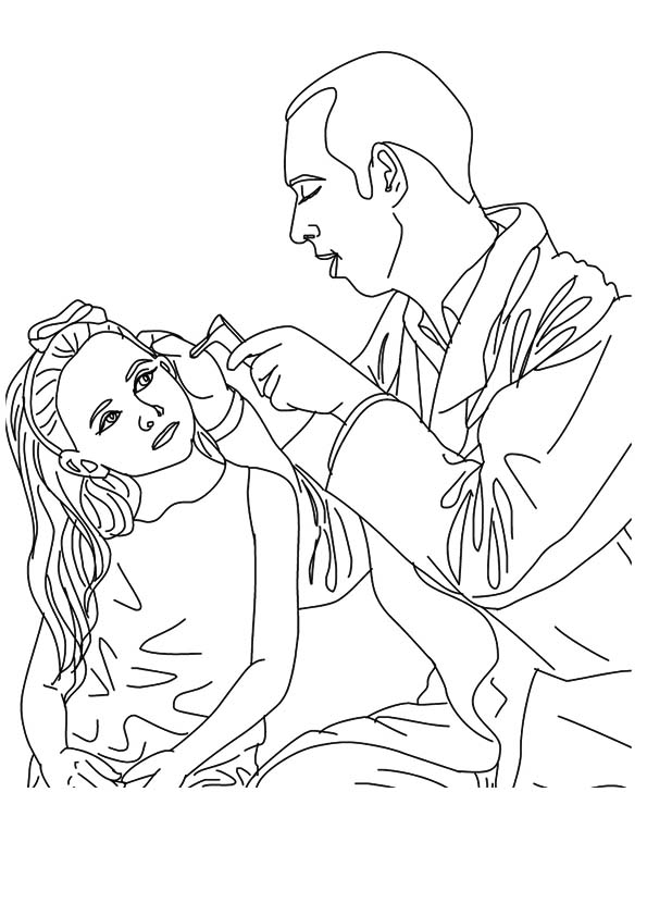 The-doctor-checking-a-patient's-ear
