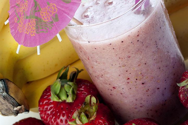 yogurt fruit smoothie