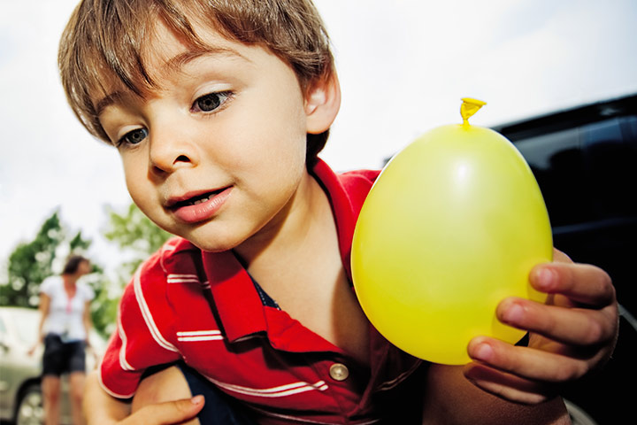 Balloon Hunt - fun water balloon games for kids Pictures
