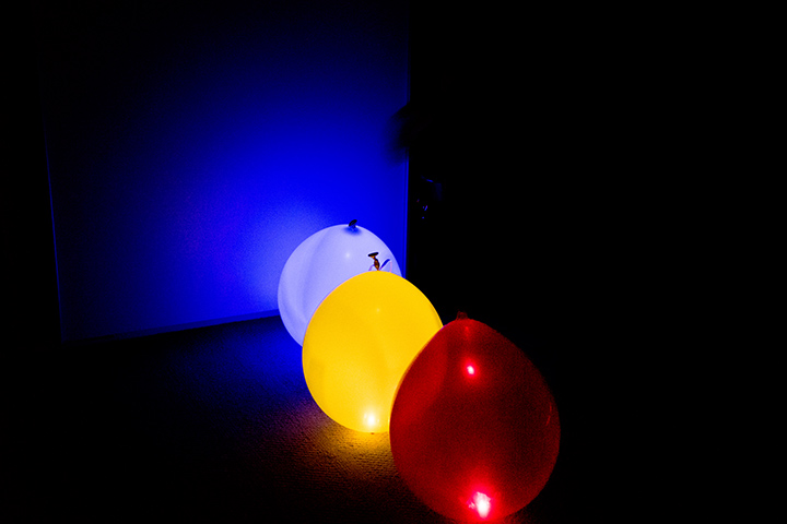 Glow In The Dark Balloons games for kids party
