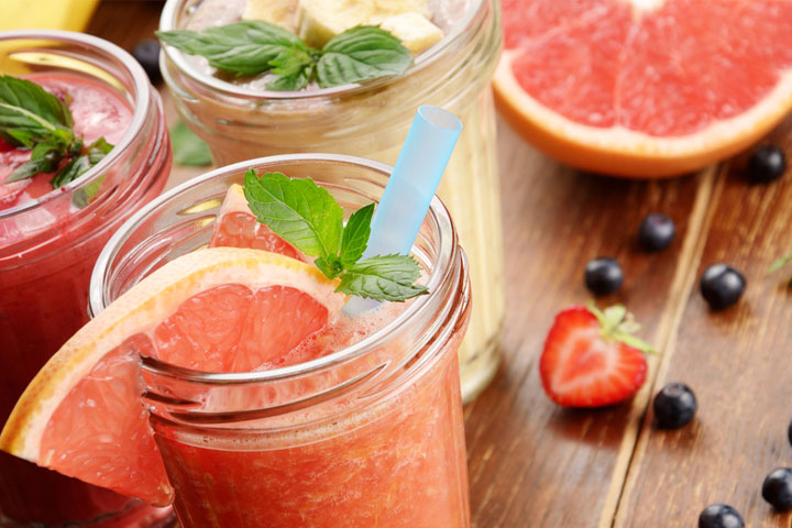 Grapefruit and strawberry smoothie