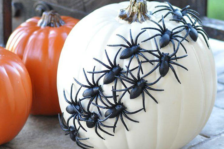 Halloween Crafts For Toddlers - Spooky Spider Craft