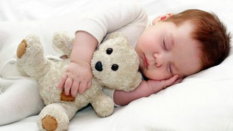 baby sleeping on side. Is it safe