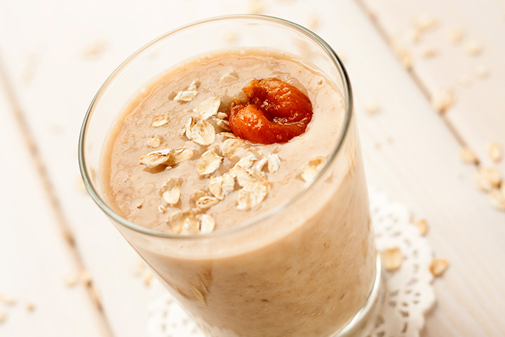 Homemade Oatmeal And Date Smoothie
