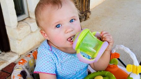 Sippy Cups That Help Your Toddler Learn To Drink