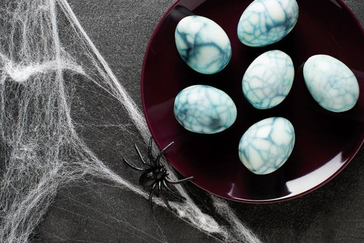 Spooky Cobweb Eggs