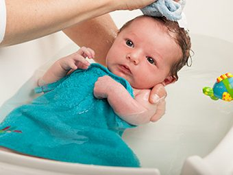 When And How Often Do You Start Giving Your Baby A Bath At Night?