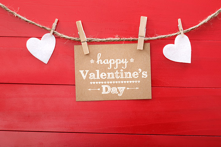 Valentine's Day String Up Heart Shaped Photo Hanger