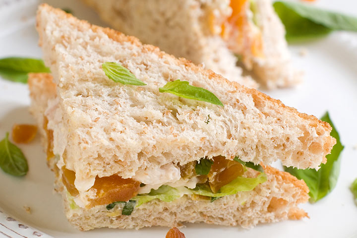 Apricot-Cheddar-And-Chicken-Sandwich