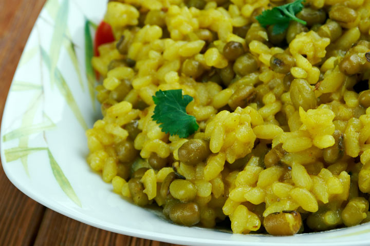 10 healthy vegetarian pregnancy recipes 3 bajra and moong dal khichdi forumfinder Choice Image