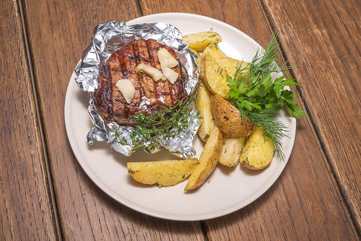 Grilled chicken and potato-foil packs