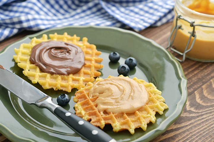Peanut-Butter-and-Chocolate-Waffle-Sandwich