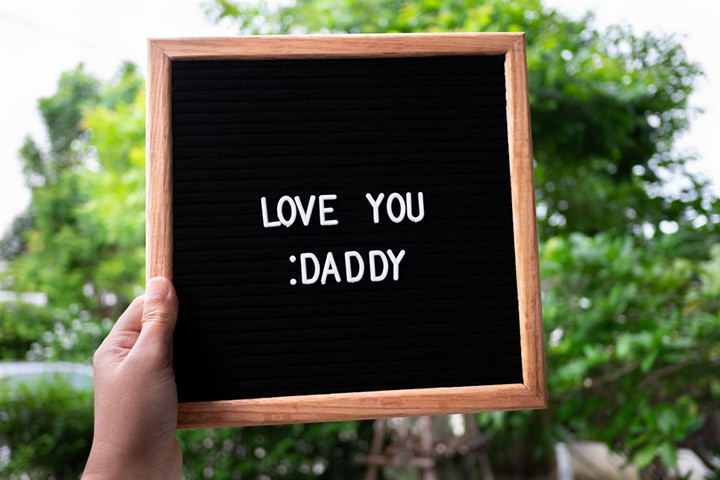 Put a message in the picture frame: