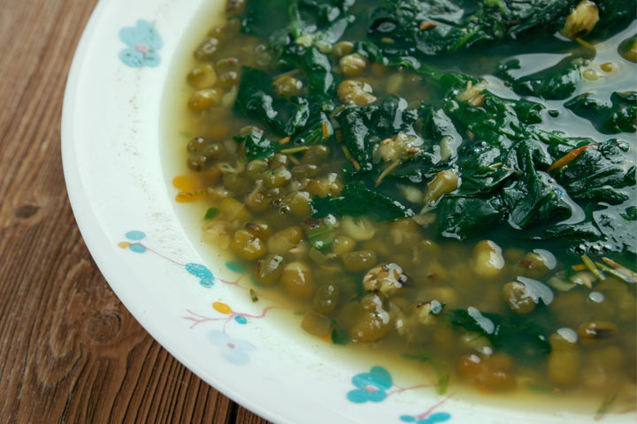 Split Urad Dal With Spinach
