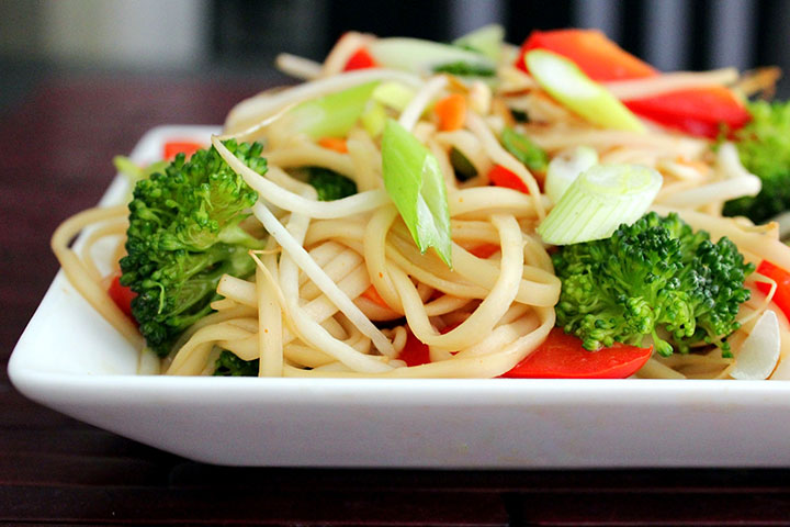 10 easy chinese recipes for kids to try asian noodle salad forumfinder Choice Image