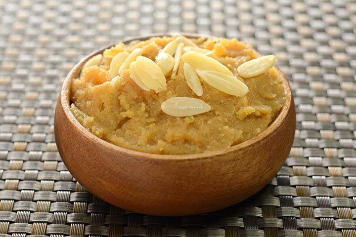 Atta halwa (wheat dessert)
