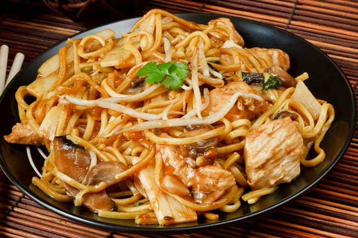 10 easy chinese recipes for kids to try chicken chow mein forumfinder Choice Image