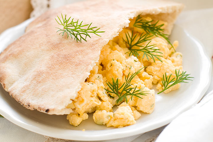 Greek Omelet In A Pita