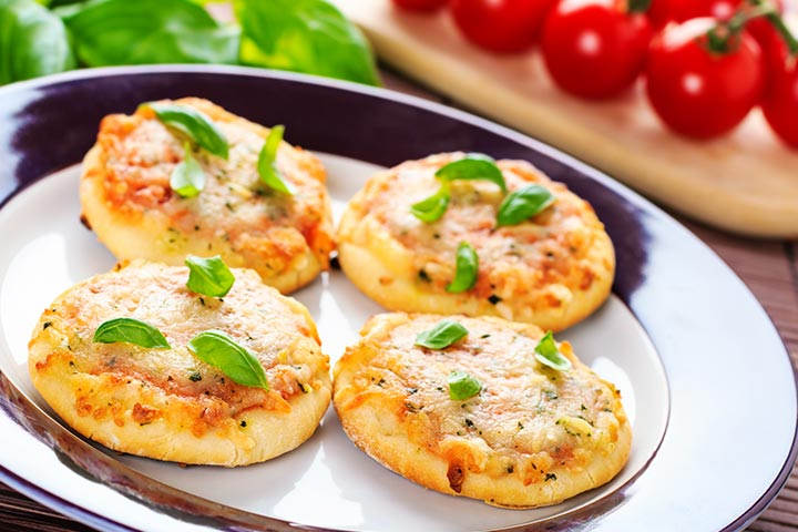 Easy Recipes For Kids-Mini Spinach-and-Cheese Pizzas
