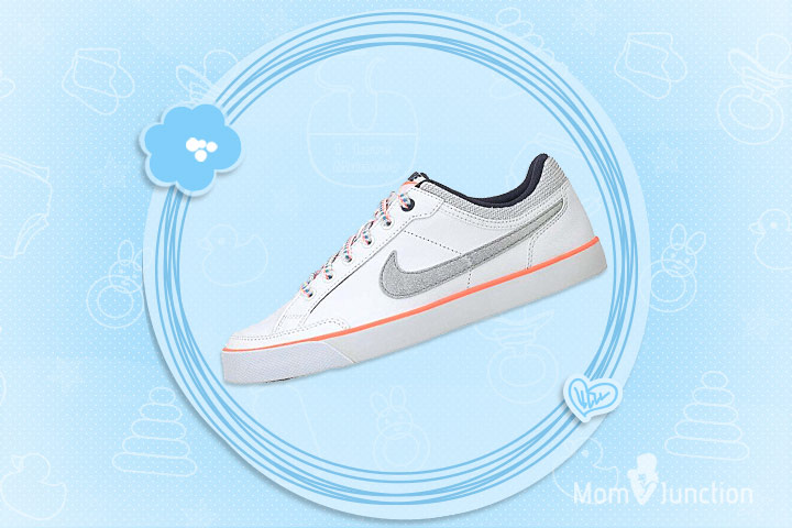 Nike Girls' Capri 3 LTR (GS) Tennis Shoes