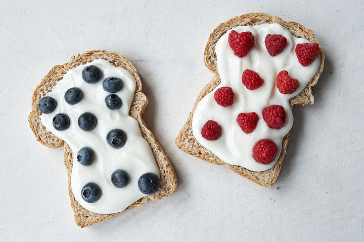 Toast with fruit spread