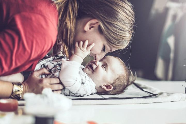 Ways To Make Babies Laugh3