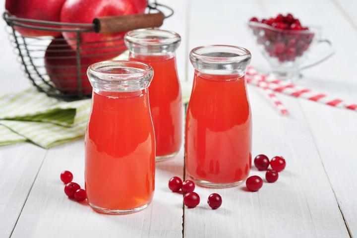 Apple Cider Vinegar And Cranberry Cocktail