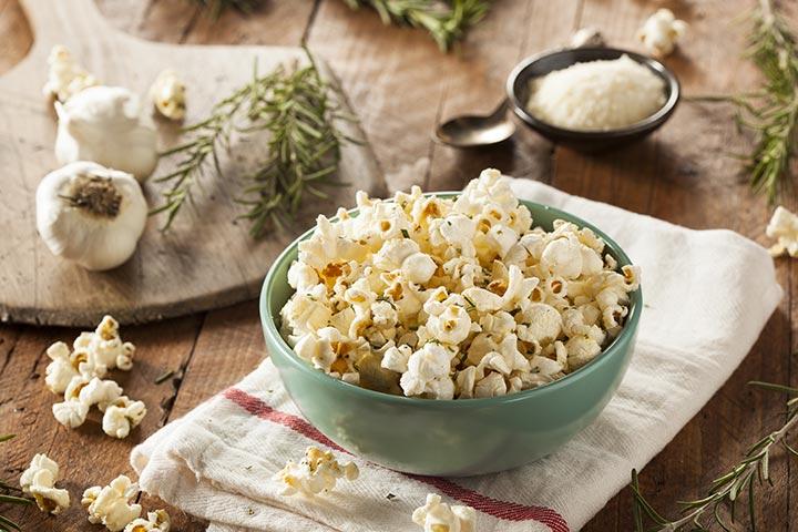 Garlic Oil And Parmesan Popcorn